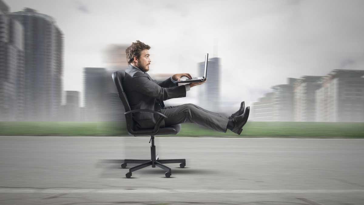 Man surfing fast website