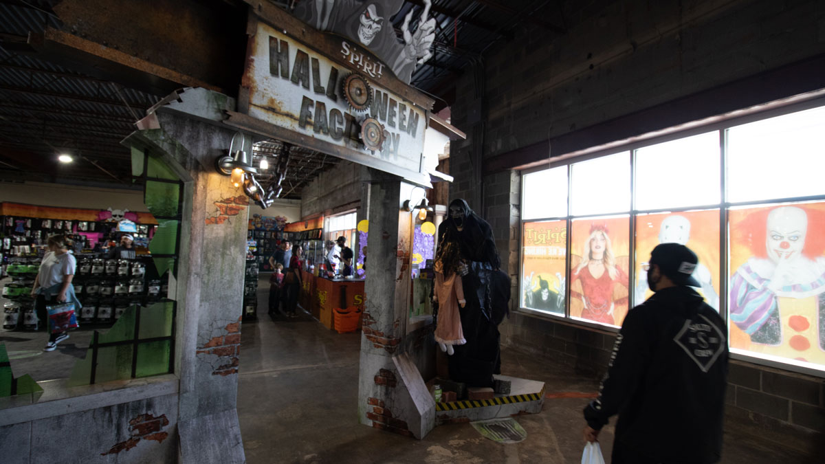"Spirit Halloween in Edmond utilizes a short-term lease (Photo: <a href=""https://edmondbusiness.com/author/brent-fuchs/"">Brent Fuchs</a>)"
